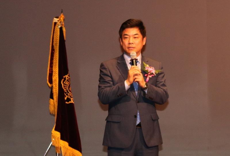 분당을 김병욱 국회의원이 축사를 하고 있다.
